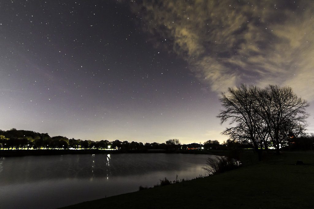 Kemnader lake by night