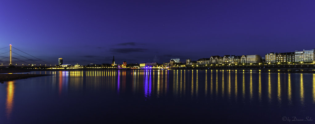 Düsseldorf by night